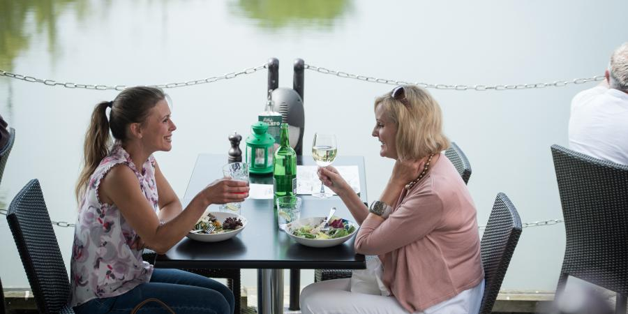 Al fresco dining at Bluewater, Kent