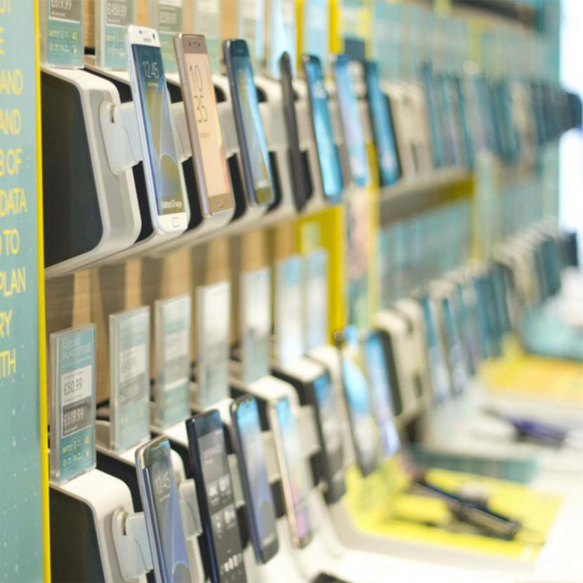 EE store at Bluewater, Kent