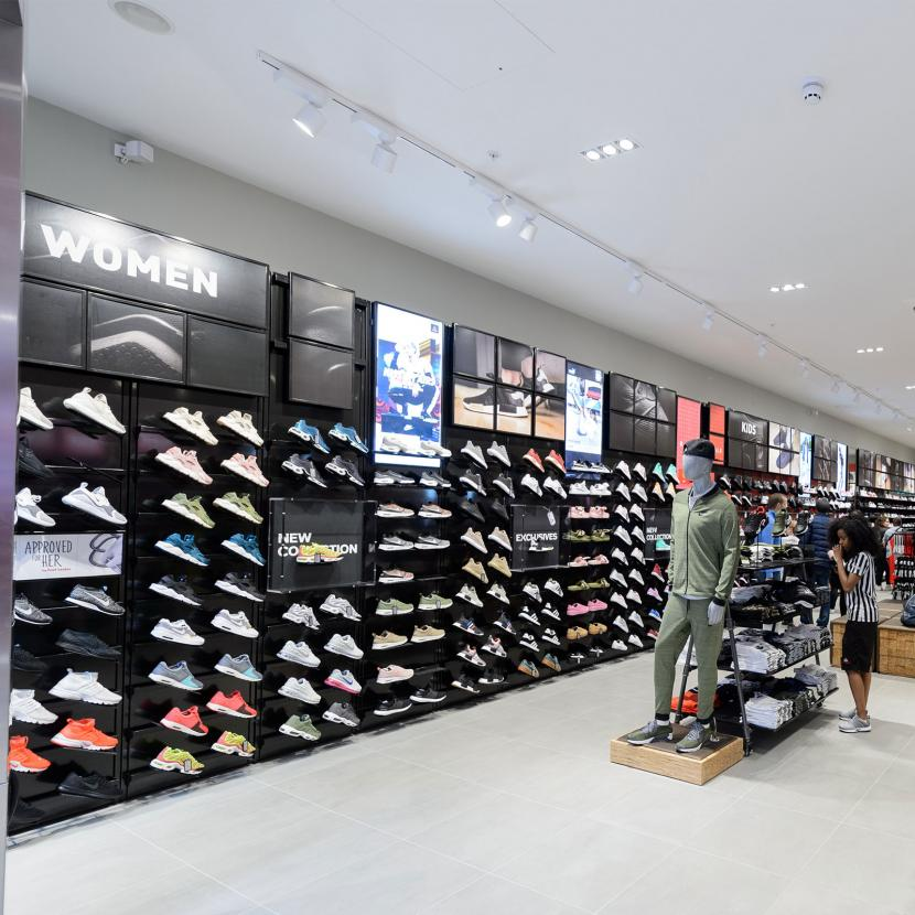 528ca283c28d Foot Locker