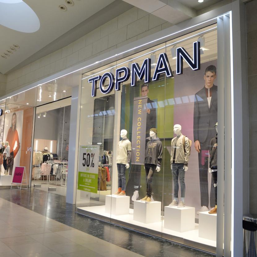Fans of Topshop and Topman can now shop for their favourite pieces again, thanks to a new collaboration with Australian online retailer The Iconic.