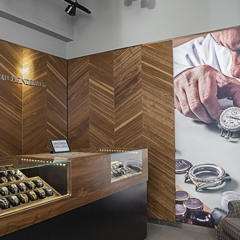 Watchfinder at Bluewater, Kent | Pre-owned prestige watches and timepieces including Rolex, Omega and Breitling.